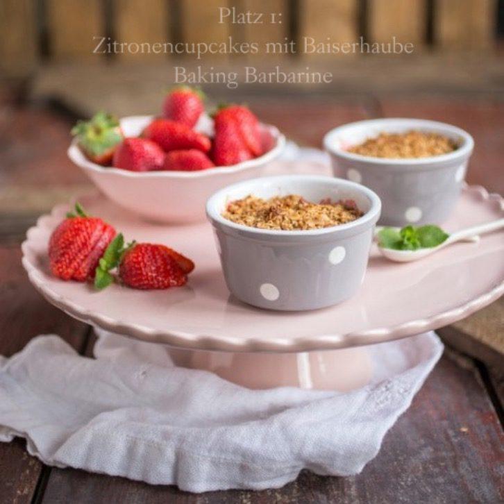 sweet-flower-in-rosa-erdbeer-rhabarber-crumble-8_Fotor