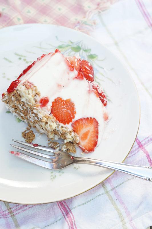 erdbeer-kokos-torte-04493