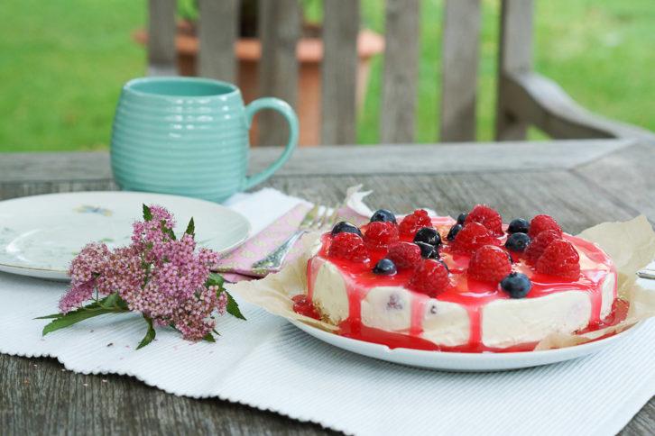 Joghurt Frischkase Torte Mit Himbeersauce Ohne Backen