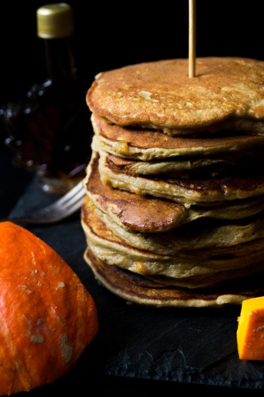 protein-ku%cc%88rbis-pancakes-05748