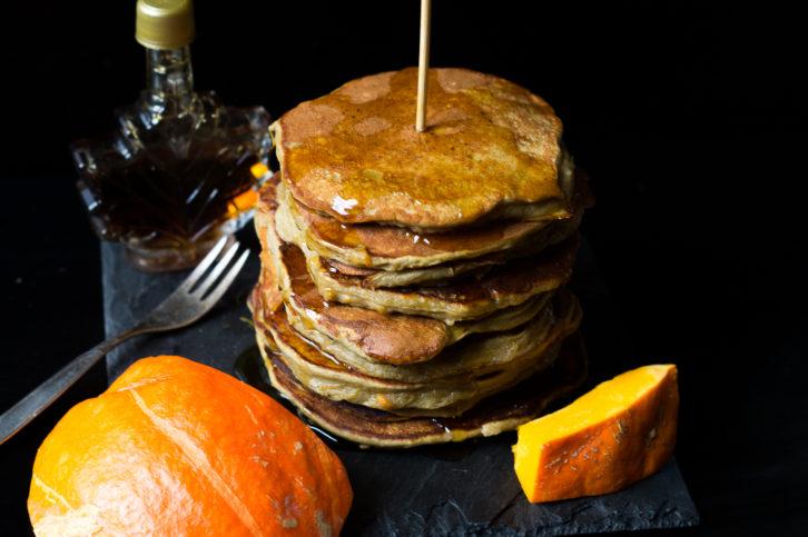 protein-ku%cc%88rbis-pancakes-05764