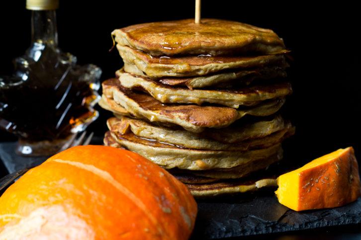 protein-ku%cc%88rbis-pancakes-05767