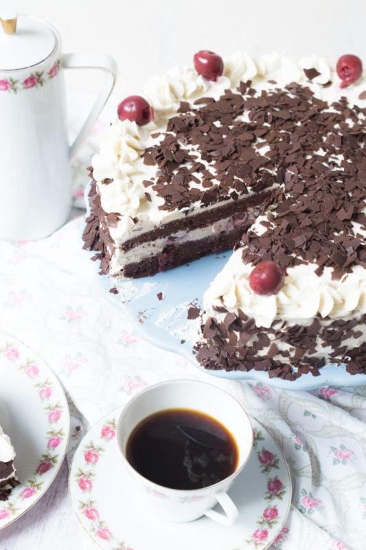 schwarzwa%cc%88lder-kirsch-torte-05619