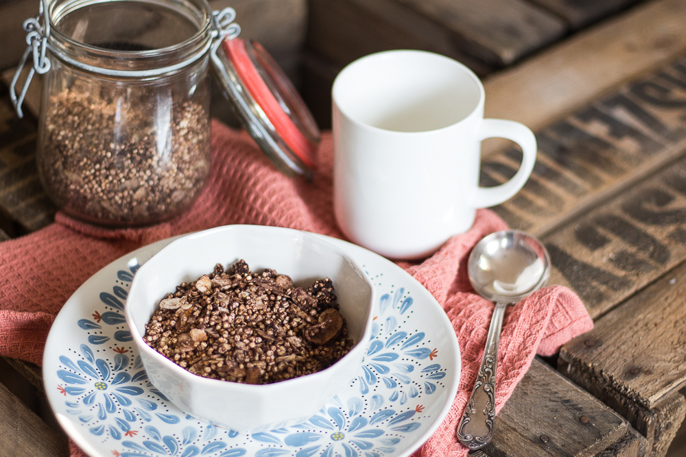 Schokoladen Quinoa Granola  Zuckerfreie Alternative