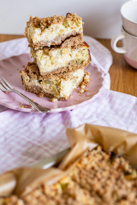 Streusel Rhabarber Quark Kuchen Klassisch Lecker Antonella S Backblog