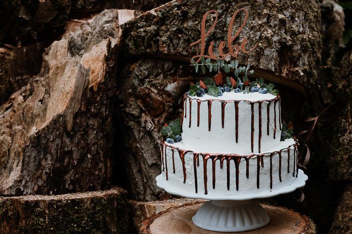 Hochzeitstorte Mit Blaubeeren Erdbeeren Ein Bisschen Mehr Liebe